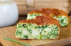 Безумно вкусно-нежный пирог с зеленым луком, курицей и сырной корочкой!